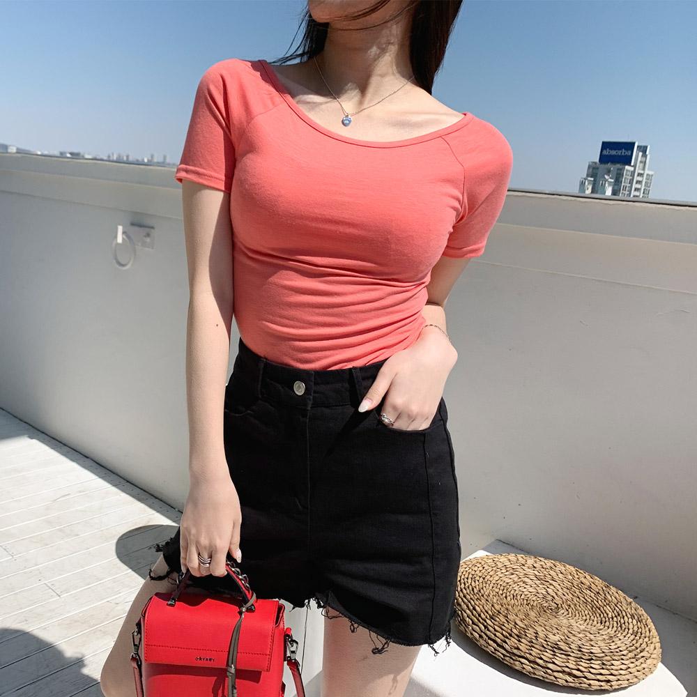 모란크 컬러 반슬림 오프숄더 티셔츠